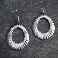 Oval drop earrings E33